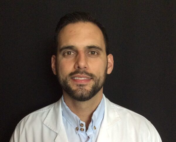 Dr Sergio Ortiz is a periodontist at Mario Garita Dental Implants Costa Rica
