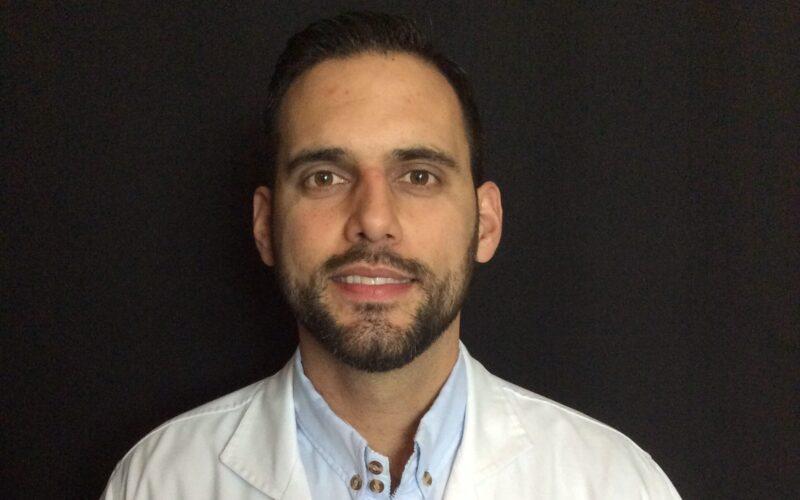 Dr Sergio Ortiz is a periodontist at Mario Garita Dental Implants Costa Rica