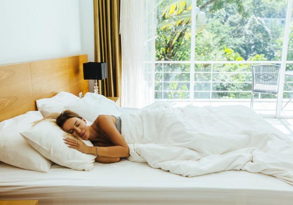 Woman resting. Image for illutrate the following the Doctor Garita dental recovery treatment